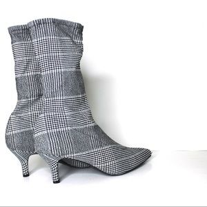 a new day Shoes - Houndstooth Stretch Kitten Heel Pointed Toe Boot